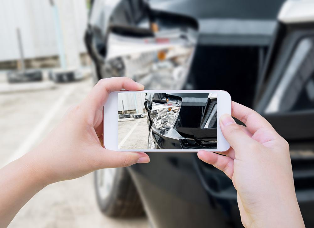 Mit der Handykamera lassen sich Schäden schnell und einfach dokumentieren.